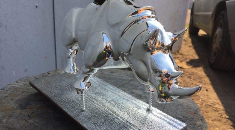 Хромирование фигур- носорог серебряный 2