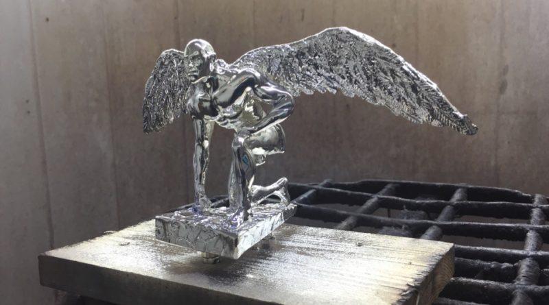 Хромирование статуэтки - Мужчина с крыльями